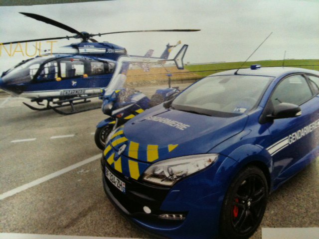 nouvelle voiture gendarmerie suzuki airhuile. Black Bedroom Furniture Sets. Home Design Ideas